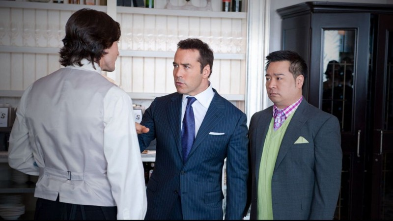 Jeremy Piven e Rex Lee in una scena dell'episodio Out with a Bang dell'ottava stagione di Entourage