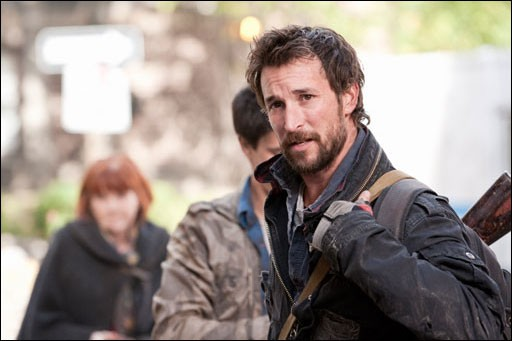 Noah Wyle nell'episodio What Hides Beneath della serie Falling Skies
