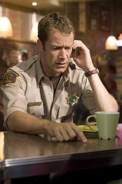 Colin Ferguson nell'episodio Up in the Air di Eureka