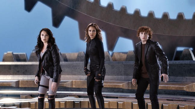 Alexa Vega, Jessica Alba e Daryl Sabara in una scena di Spy Kids: All the Time in the World