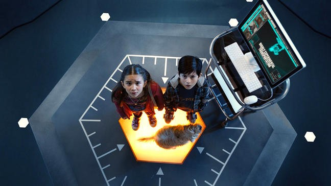 Mason Cook e Rowan Blanchard in Spy Kids: All the Time in the World
