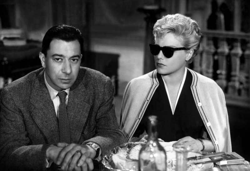 Simone Signoret e Paul Meurisse nel film I diabolici