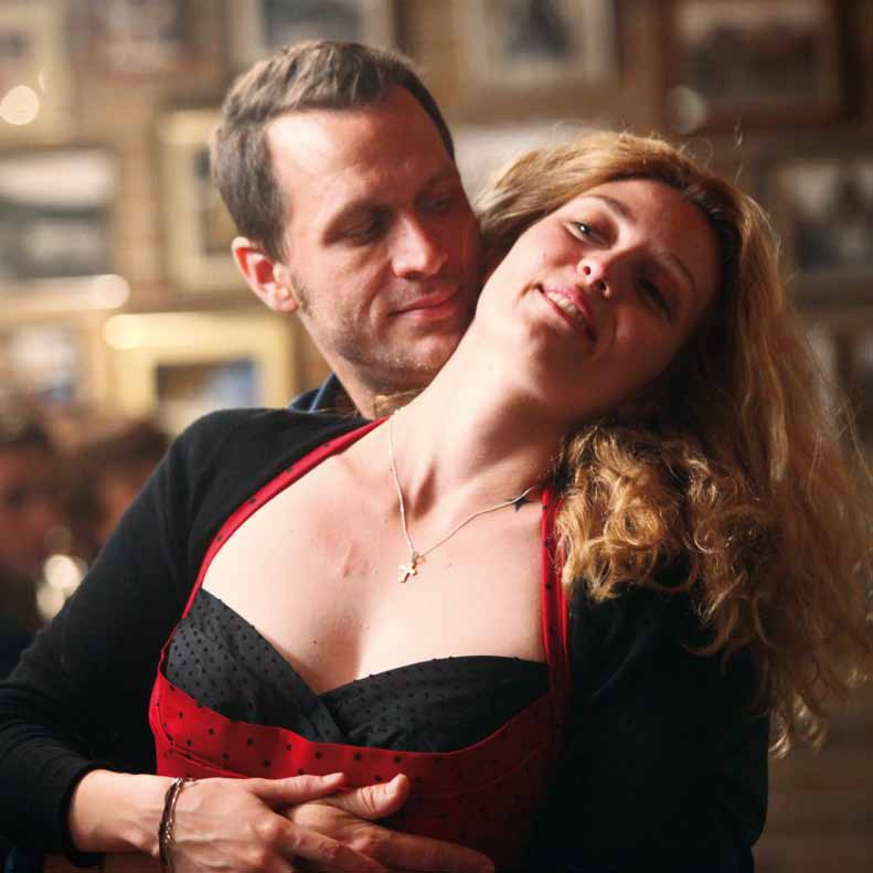 Cafè de Flore: Kevin Parent con Evelyne Brochu in una scena del film
