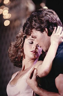Patrick Swayze e Jennifer Grey in una sequenza di Dirty Dancing