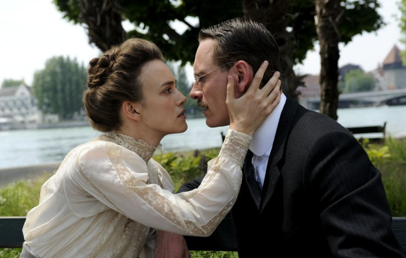 Keira Knightley con Michael Fassbender in A Dangerous Method