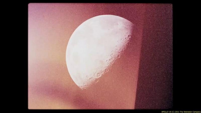 Apollo 18: la Luna in una sequenza del film