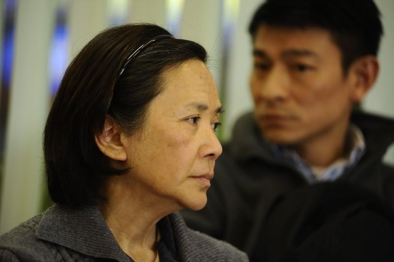 A Simple Life (Tao Jie): Deanie Yip insieme a Andy Lau in una scena del film