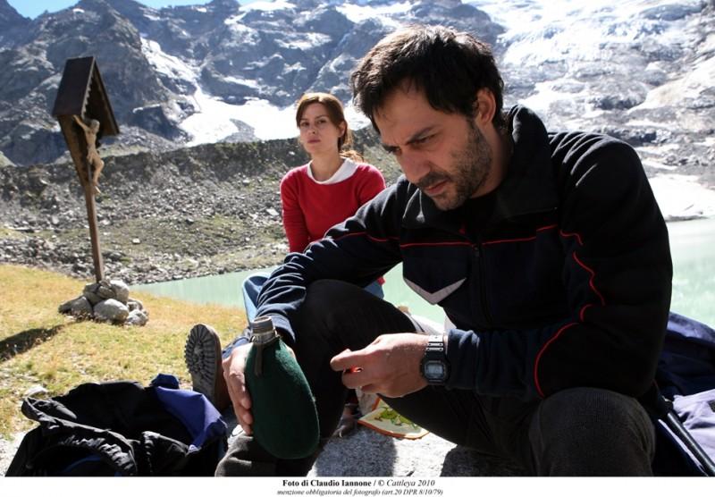 Filippo Timi e Claudia Pandolfi in Quando la notte.