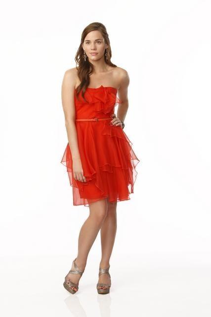 Revenge: Christa B. Allen è Charlotte Grayson in una immagine promozionale della serie