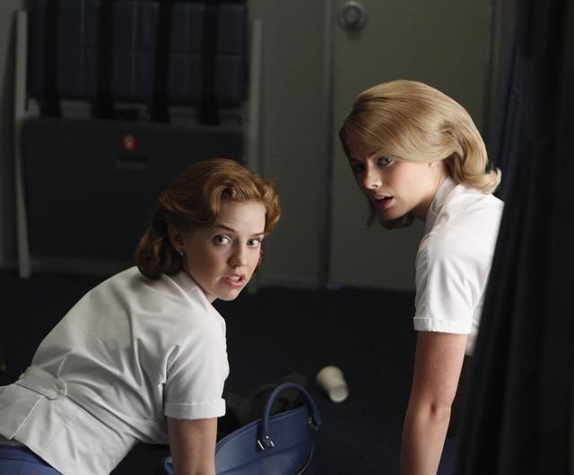 Pan Am: Kelli Garner e Margot Robbie nel pilot della serie