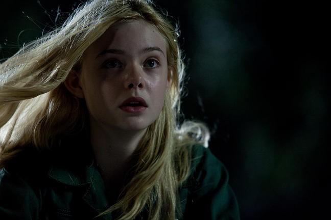 Super 8: un primo piano di Elle Fanning nel film
