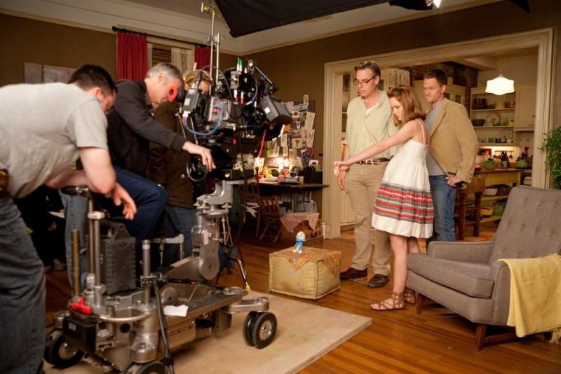 Neil Patrick Harris sul set de I Puffi accanto a Jayma Mays