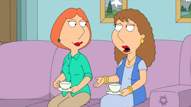 Lois con sua sorella Carol in una scena dell'episodio Brothers & Sisters de I Griffin
