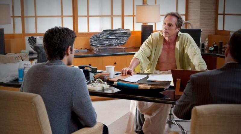 Adrian Grenier e William Fichtner in una scena dell'episodio Second to Last dell'ottava stagione di Entourage