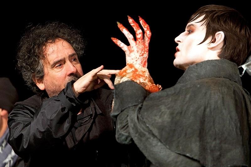 Un insanguinato Johnny Depp e Tim Burton sul set di Dark Shadows