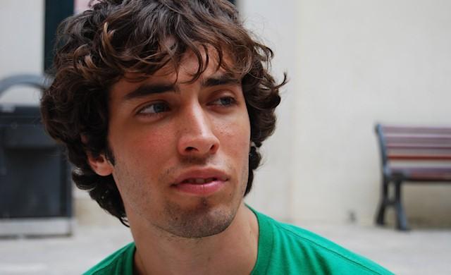 Oltre il mare: Alberto Galetti interpreta Francesco, l'emotivo del gruppo