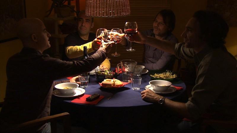 Cara, ti amo...: Orlando, Procoli, Franciosa e Scarpa in una scena del film cenano e parlano di donne