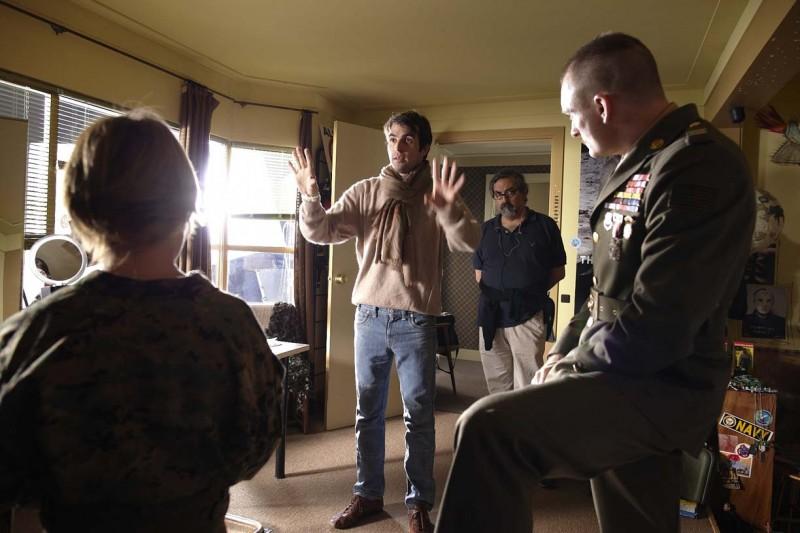 Christian Molina dirige gli attori sul set di I Want to Be a Soldier
