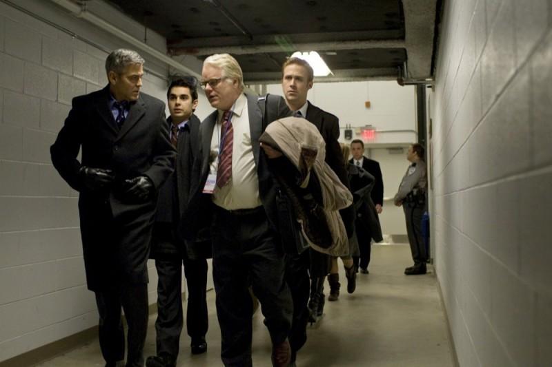 Le idi di marzo: George Clooney, Ryan Gosling, Philip Seymour Hoffman e Max Minghella in una scena