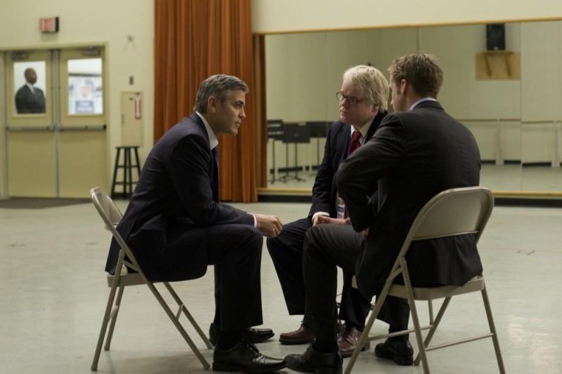 Le idi di marzo: George Clooney, Ryan Gosling, Philip Seymour Hoffman in una scena