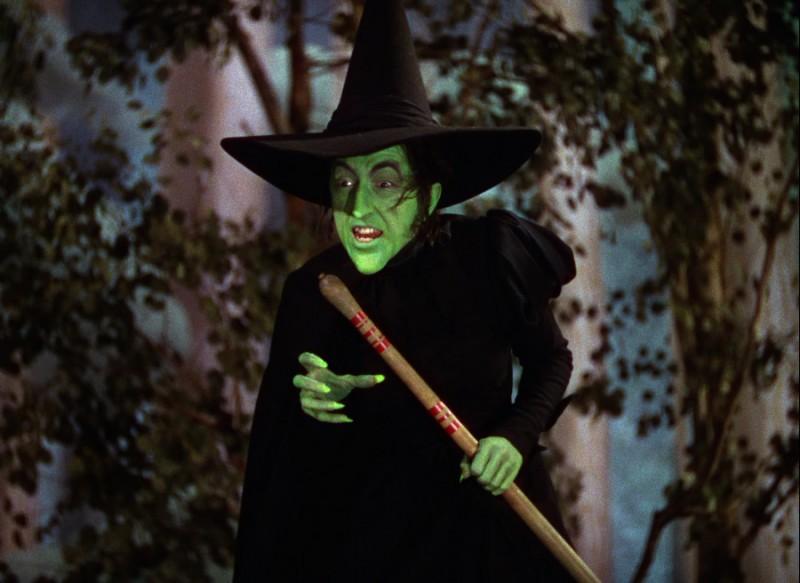 Margaret Hamilton in una scena de Il mago di Oz