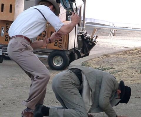 Ryan Gosling in lotta con un criminale sul set di The Gangster Squad