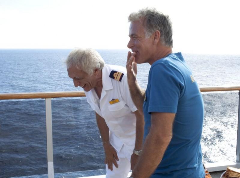 Bienvenue à bord, Franck Dubosc e Gérard Darmon in una scena della commedia