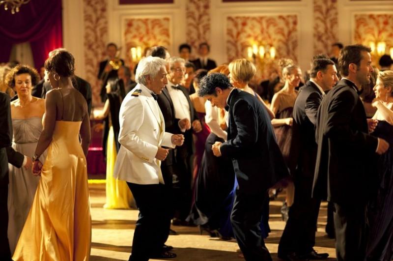 Bienvenue à bord, Gérard Darmon balla con Lionnel Astier