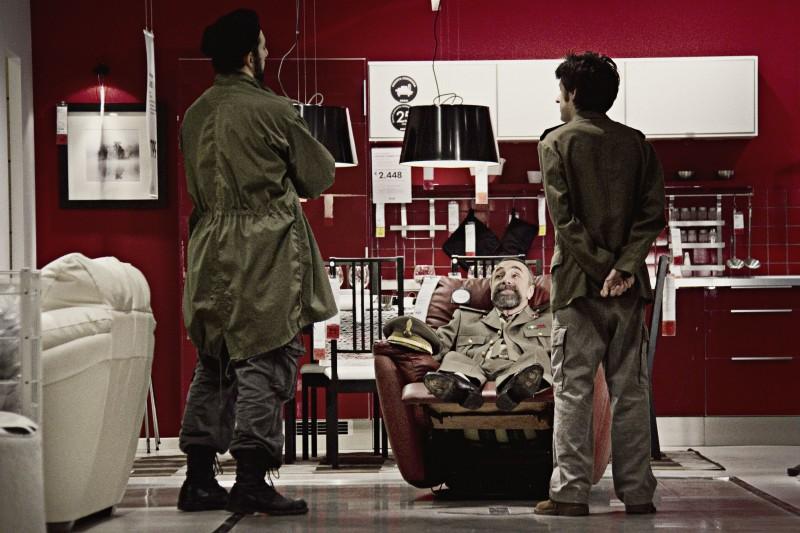 Filippo Timi, Silvio Orlando e Francesco Brandi in una scena di Missione di pace