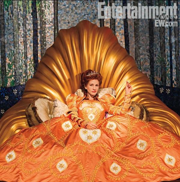 Julia Roberts in The Brothers Grimm: Snow White: una immagine pubblicata da Entertainment Weekly