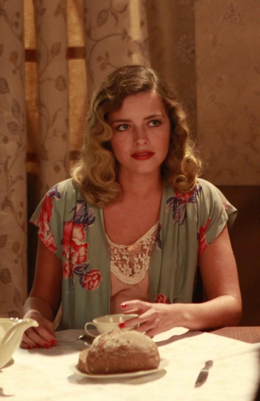 Alexandra Dinu in una scena della fiction Rai Il Generale Della Rovere
