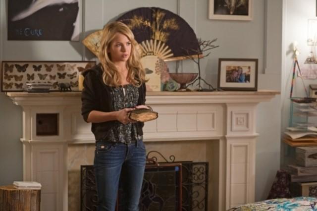 The Secret Circle: Britt Robertson nell'episodio Heather
