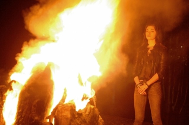The Secret Circle: Phoebe Tonkin nell'episodio Bound