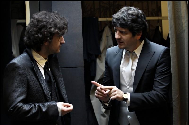 Alessandro Siani e Fabio De Luigi in una scena di La peggior settimana della mia vita