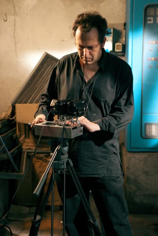 Il regista Francesco Gasperoni sul set del suo Parking Lot 3D