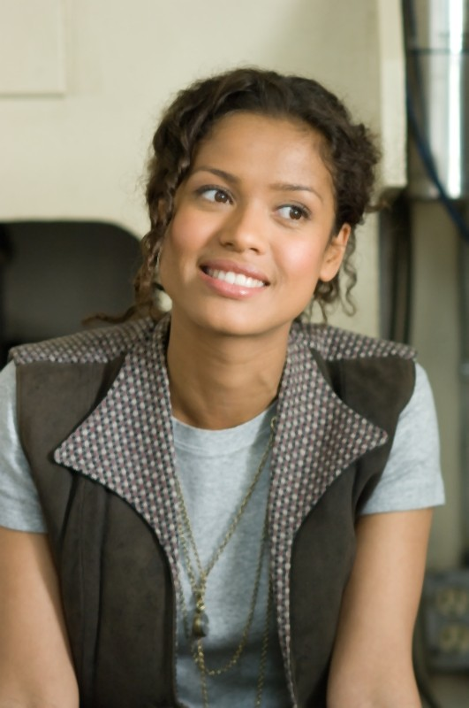 L'amore all'improvviso - Larry Crowne: Gugu Mbatha-Raw sorride in una scena del film