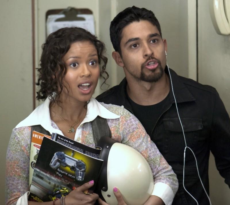 L'amore all'improvviso - Larry Crowne: Wilmer Valderrama e Gugu Mbatha-Raw in una scena del film