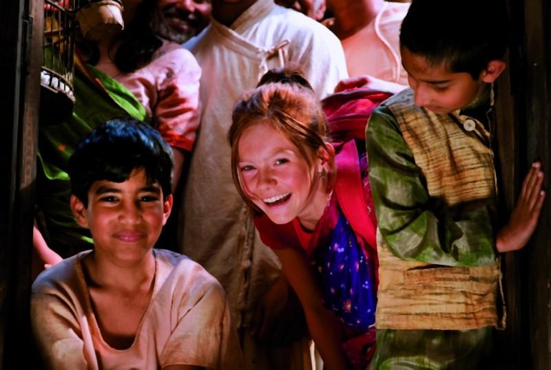 Maga Martina 2 - Viaggio in India: Alina Freund in una divertente scena del film