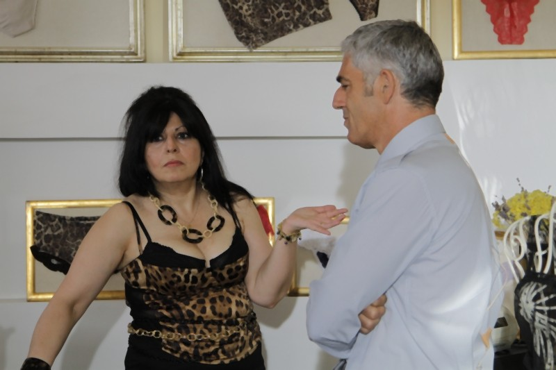 Matrimonio a Parigi: Biagio Izzo e Anna Maria Barbera in una scena del film