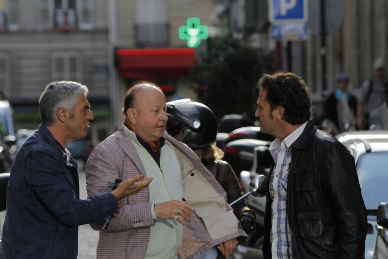 Matrimonio a Parigi: Biagio Izzo, Massimo Boldi e Enzo Salvi in una scena del film