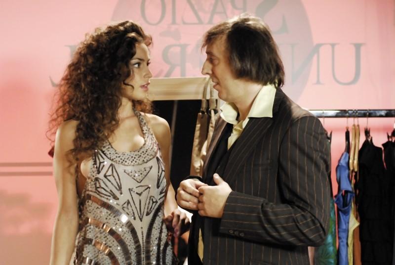 Matrimonio a Parigi: Raffaella Fico insieme a Massimo Ceccherini in un'immagine del film