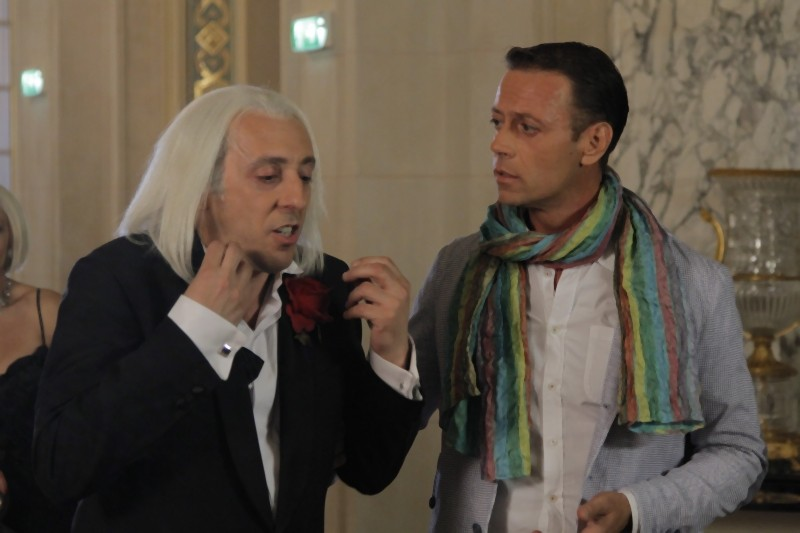 Matrimonio In Parigi : Rocco siffredi insieme a massimo ceccherini in una scena