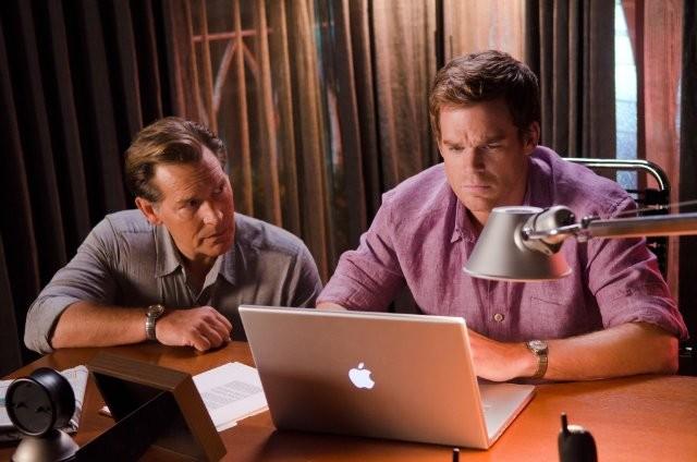 Michael C. Hall e James Remar nell'episodio Once Upon a Time della sesta stagione di Dexter