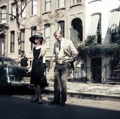 Colazione da Tiffany: Audrey Hepburn insieme a George Peppard in una scena del film