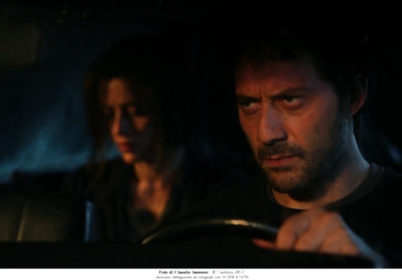 Filippo Timi i Claudia Pandolfi in una scena notturna di Quando la notte