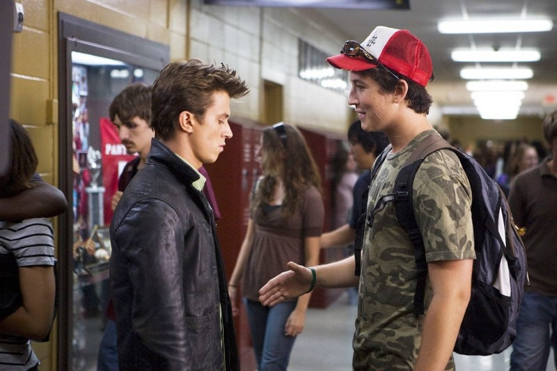 Footloose (2011) Kenny Wormald e Miles Teller in una scena