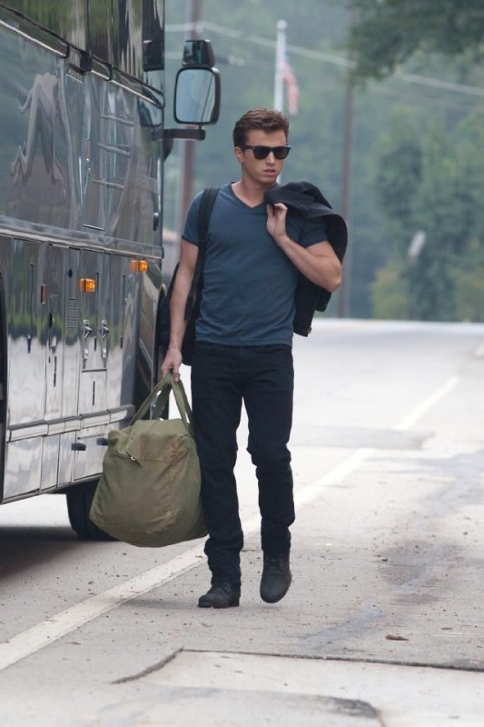 Footloose (2011) Kenny Wormald è Ren MacCormack nel film