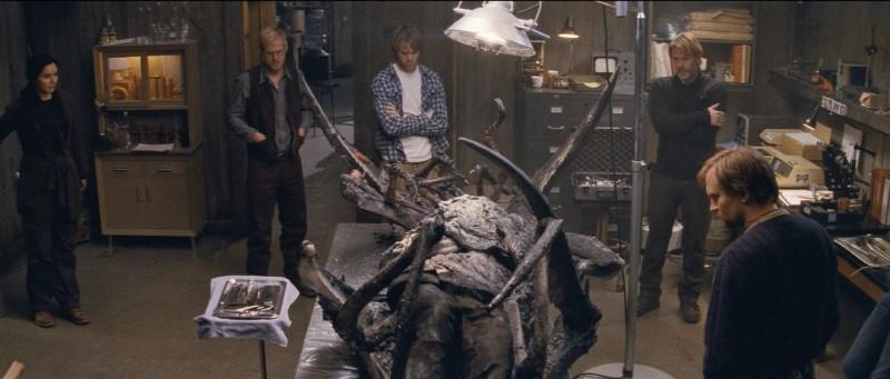 La Cosa: Kim Bubbs, Eric Christian Olsen e Trond Espen Seim in una scena