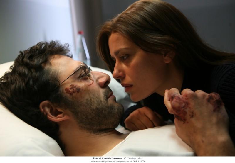 Quando la notte: Filippo Timi e Claudia Pandolfi in una tenera scena del film