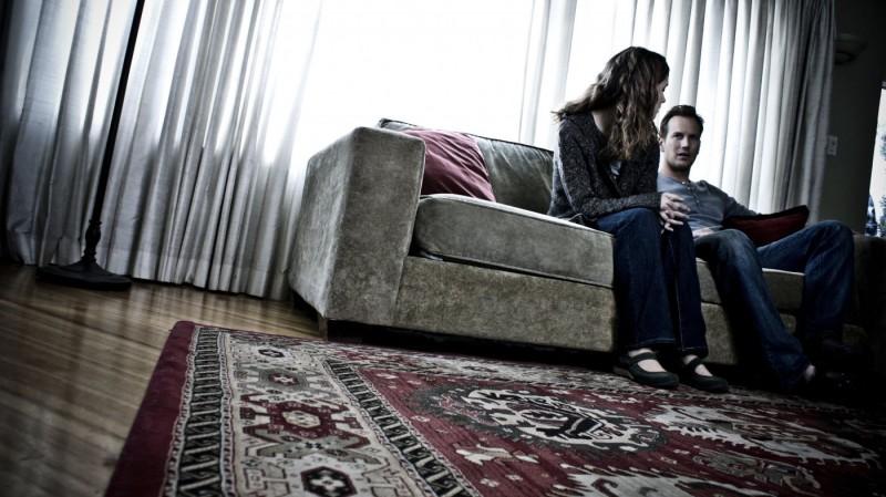 Rose Byrne e Patrick Wilson in una suggestiva inquadratura tratta dal film Insidious